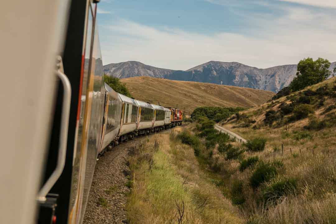 discover the UK by train and earn cashback